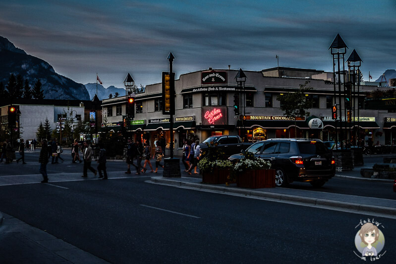 Am Abend in Banff, Kanada