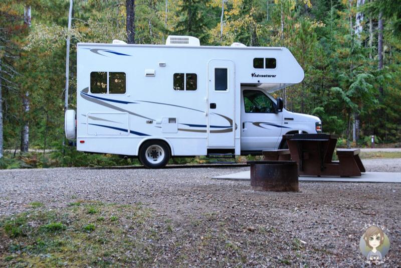 Viel Platz auf dem Stellplatz auf dem McDonnald Creek Campground, British Columbia, Kanada