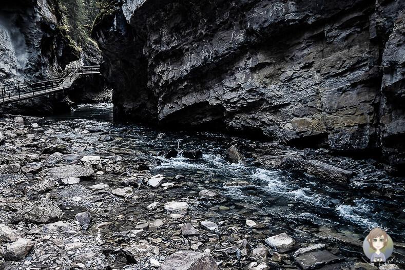 Der Weg zu den Lower Falls im Johnston Canyon, Banff National Park, Kanada