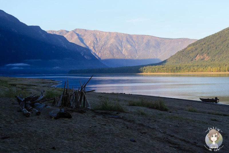Der Strand vom McDonnald Creek Provincial Park, BC, Kanada