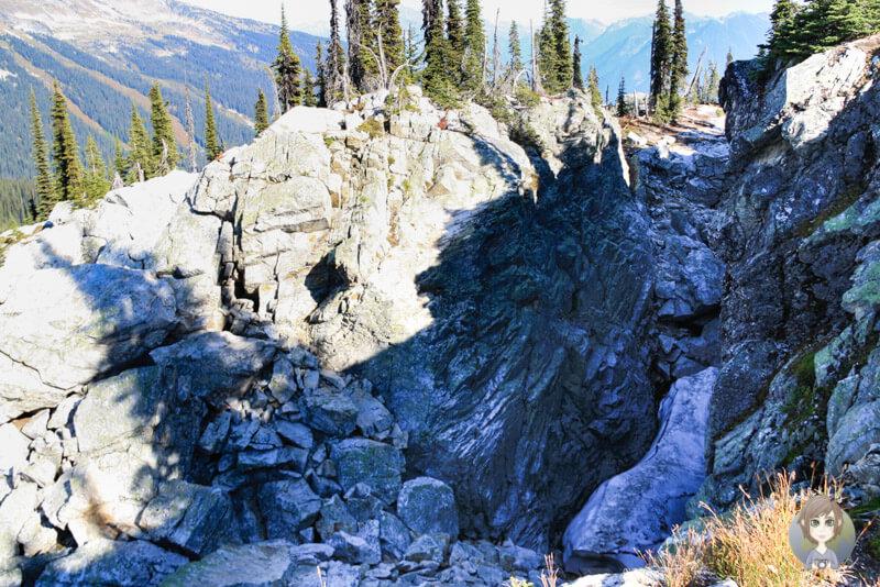 Eine Eisspalte im Mount Revelstoke National Park, BC, Kanada