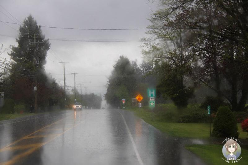 Straße in Vancouver im Regen