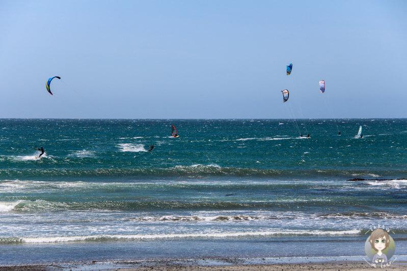 Kitesurfer auf dem Pazifik