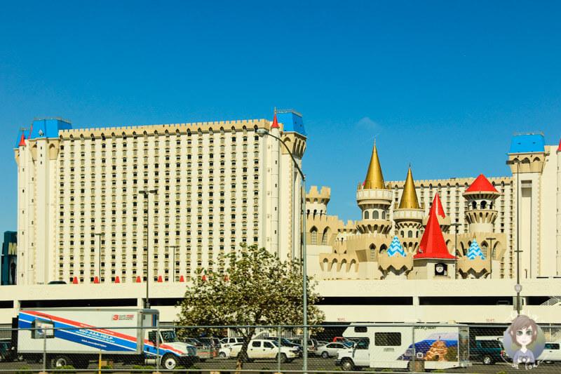 Parkplatz des Excalibur Hotels