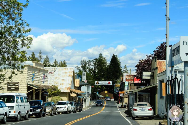 Ortschaft auf dem Weg in den Yosemite
