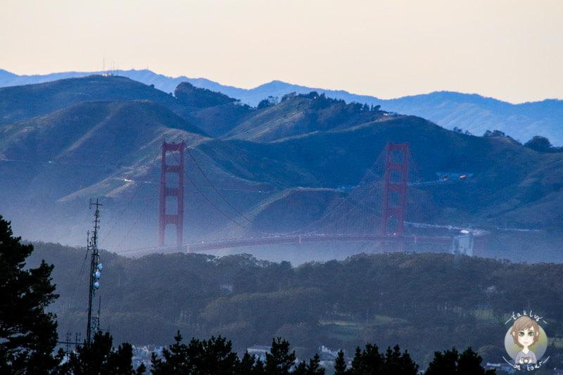 Golden Gate Bridge in der Ferne