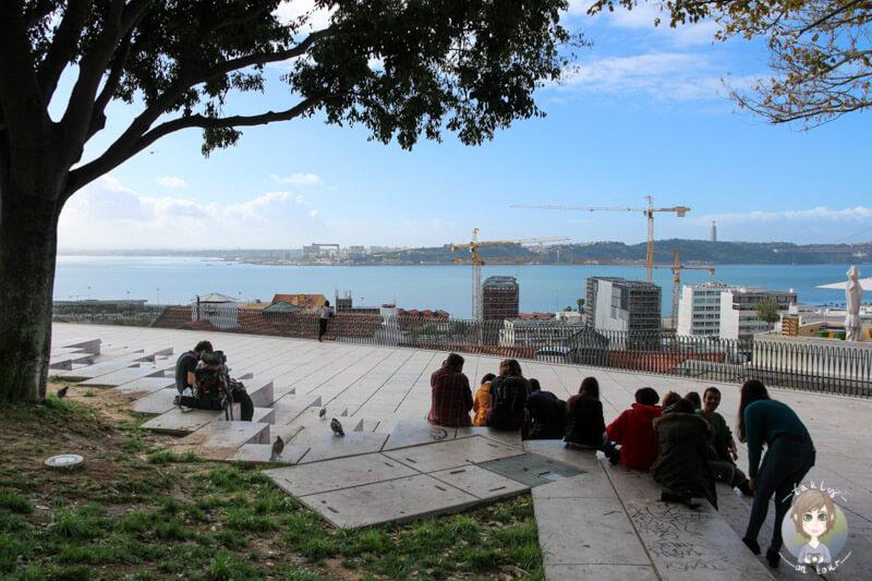 Entspannt die Aussicht genießen, am Aussichtspunkt Santa Catarina