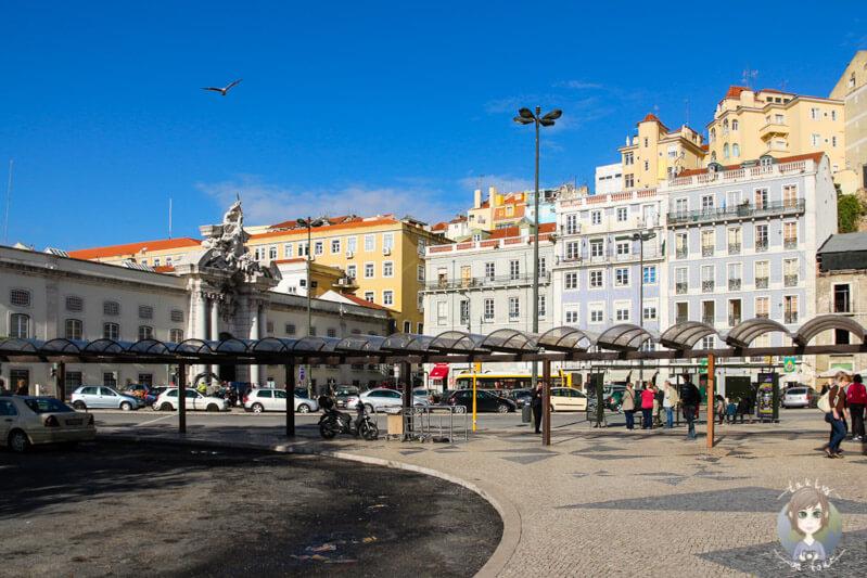 Bahnhofsvorplatz Santa Apolónia in Lissabon
