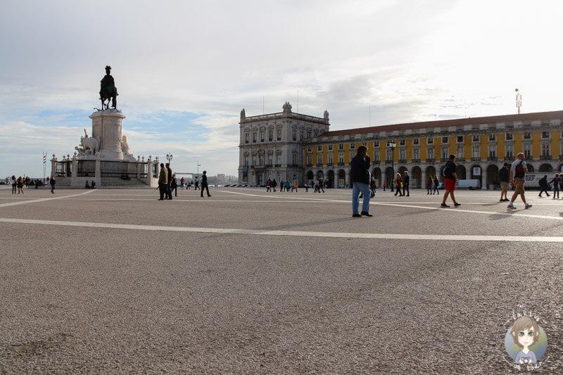Der Plaça do Comerçio in Lissabon