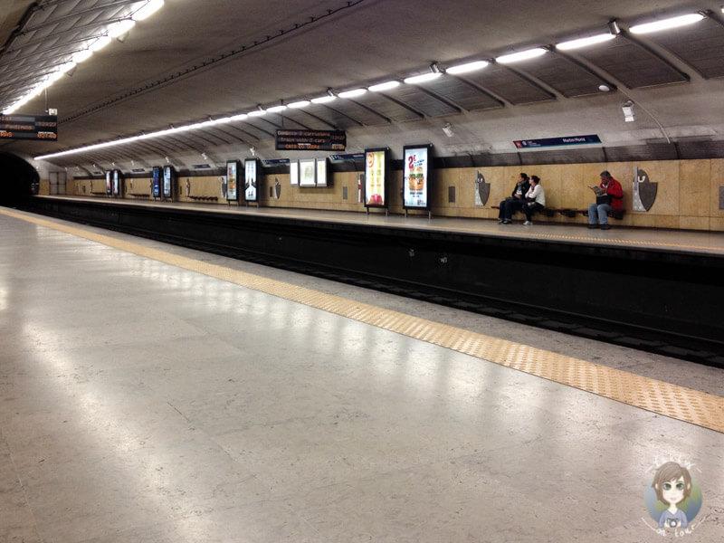Eine Metrostation in Lissabon