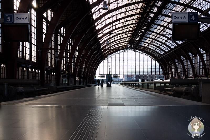 Die Bahngleise im Hauptbahnhof Centraal, Antwerpen