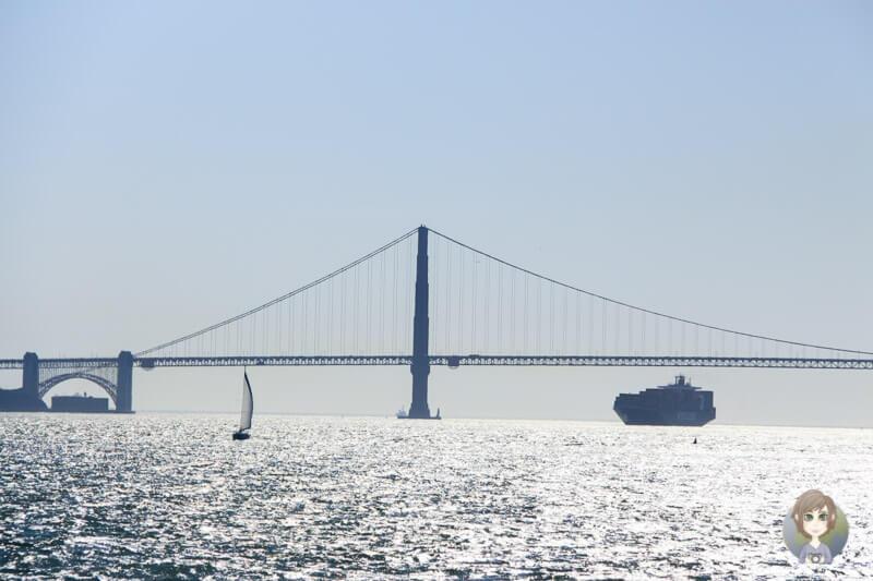 Bay Bridge San Francisco in der Sonne