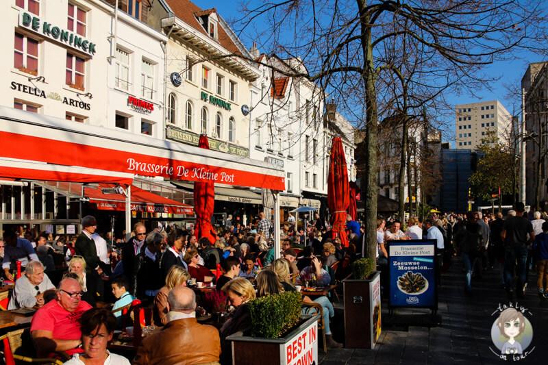 cafes-und-restaurants-in-antwerpen-auf-dem-groenplaats