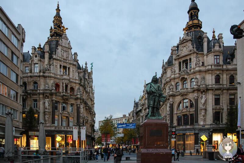 Ein Blick zurück in die Innenstadt von Antwerpen