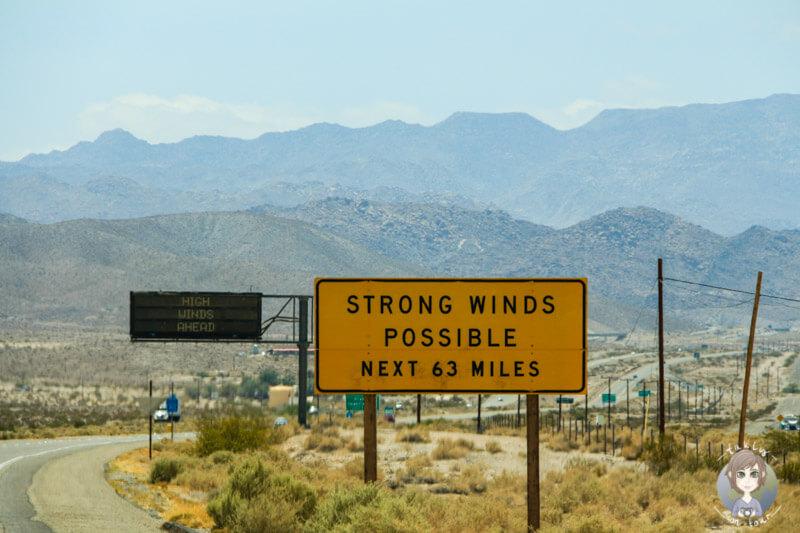 Strong Wind Schild