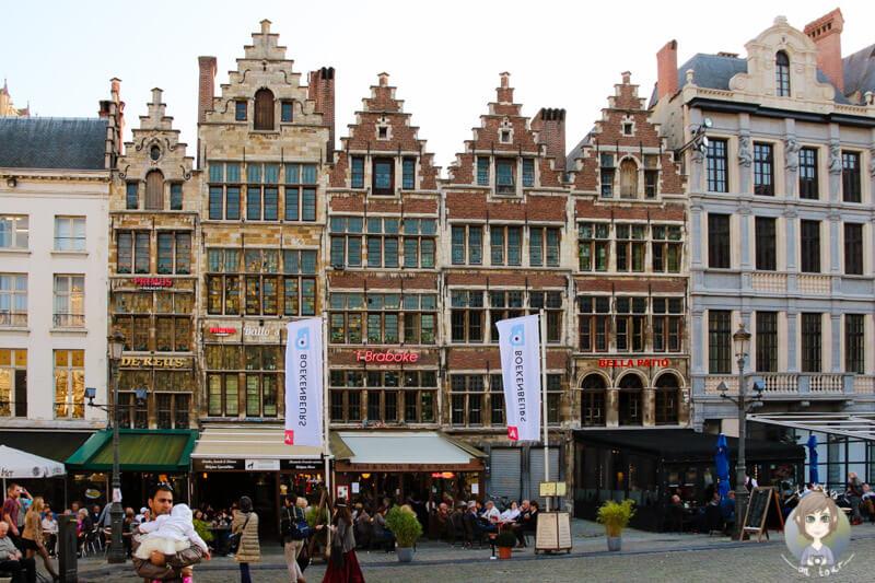 haeuser-auf-dem-grote-markt-antwerpen