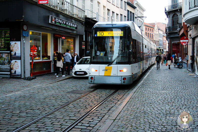 Die Straßenbahn im Zentrum von Antwerpen