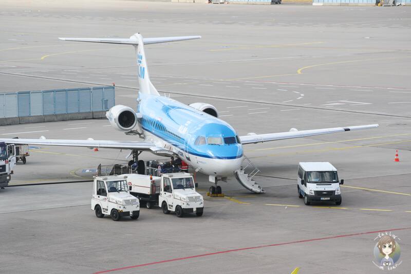 Flugzeuge beobachten Flughafen