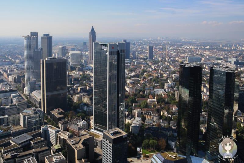 Der Maintower bietet eine Aussichtsplattform Frankfurt