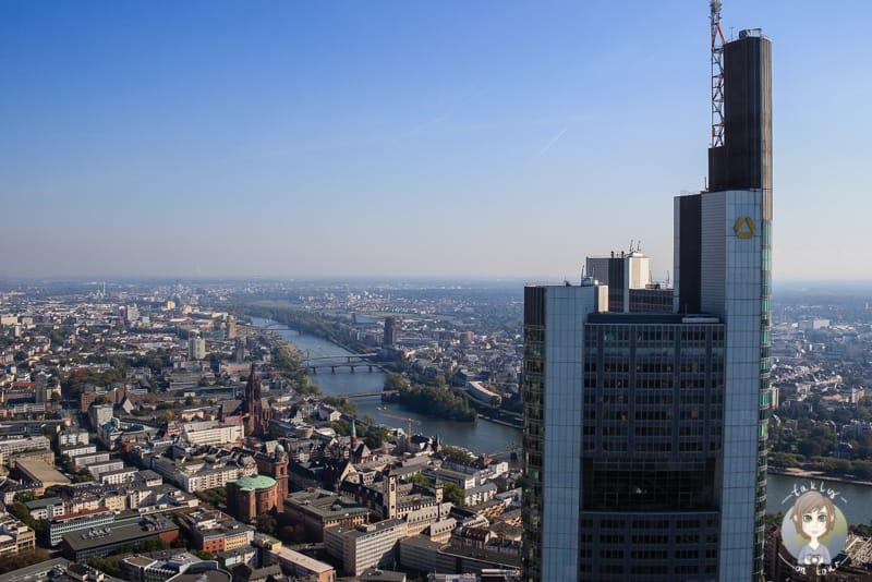 Aussicht von der Aussichtsplattform Frankfurt auf Main Tower