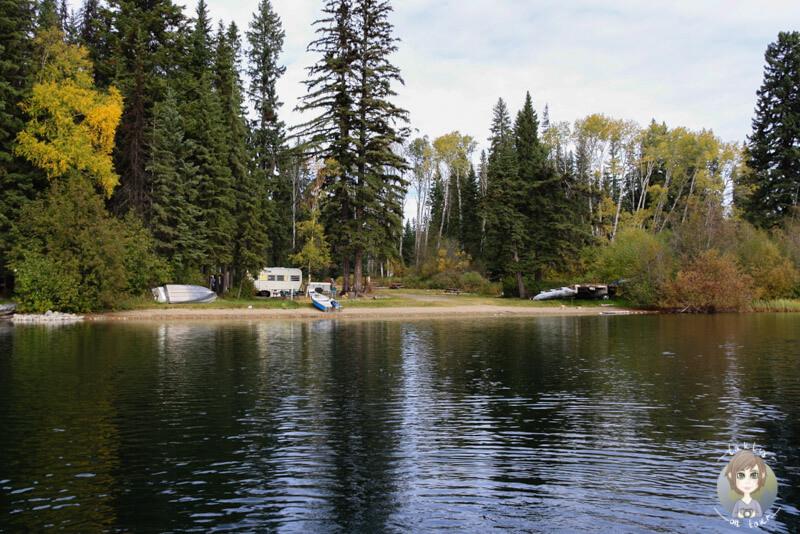 Das Birch Lake Fish Camp vom Wasser aus