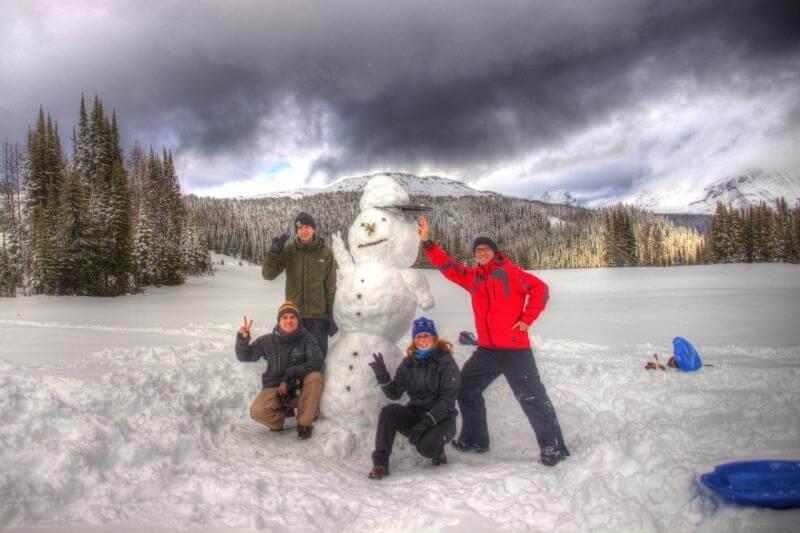 Schneemann im Sunshine Village in Kanada