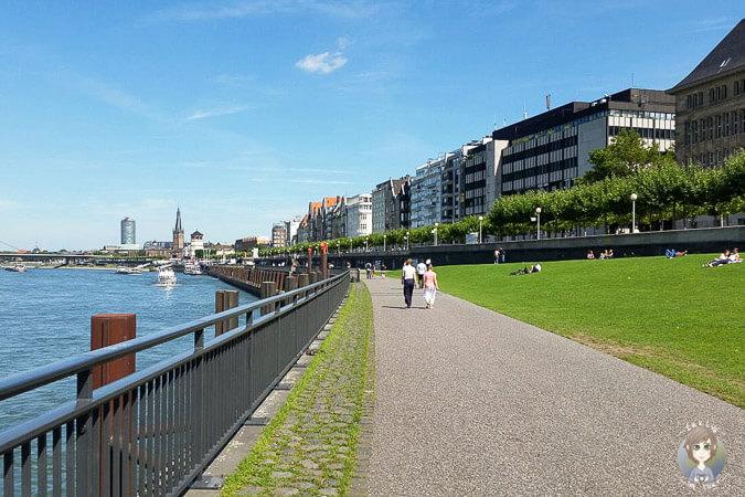 spaziergang_promenade_rheinufer_duesseldorf