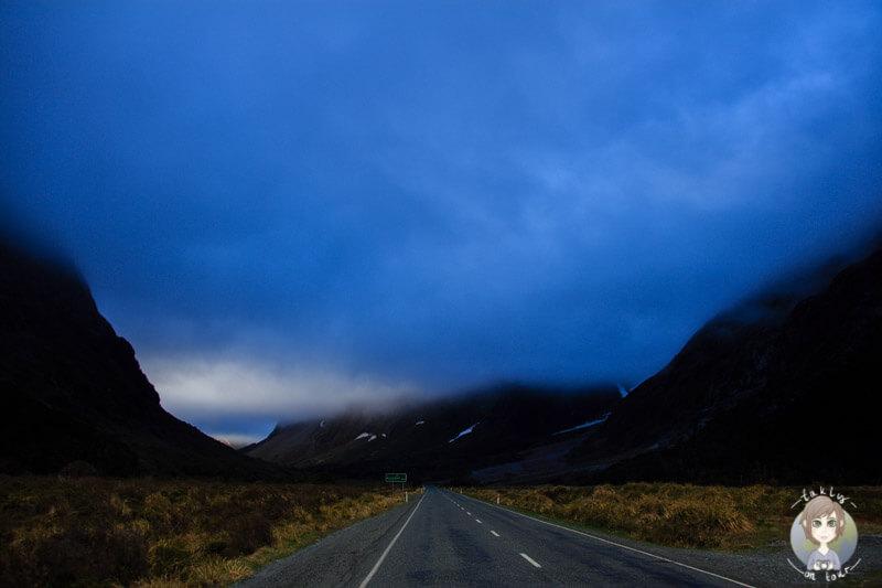 Blaue Wolke über der Milford Road