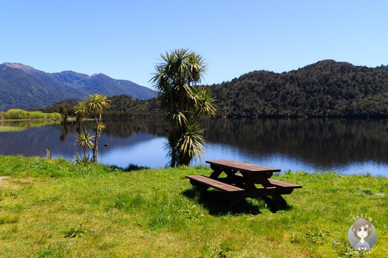Der Lake Poerua am Lake Brunner Tourist Drive, Neuseeland