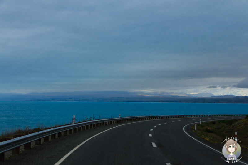 Auch bei Regen ist der Lake Pukaki ein Augenschmaus