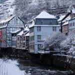 Monschau in der Eifel • Winterliches Ausflugsziel