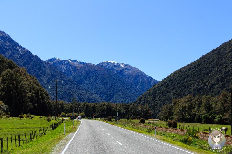 Fahrt über den Otira Highway Richtung Westküste von Neuseeland