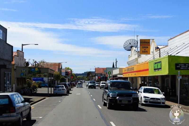 Fahrt durch Takaka, Abel Tasman National Park