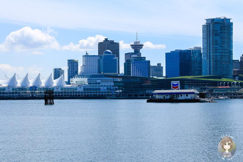 Blick auf die Skyline in den Vancouver Sehenswürdigkeiten und Vancouver Reisetipps