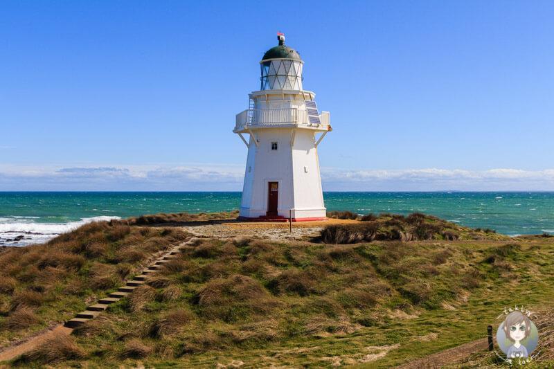Der sehenswerte Waipapa Point Leuchtturm in der Region Catlins zaehlt zu unseren Top Neuseeland Sehenswuerdigkeiten und Highlights