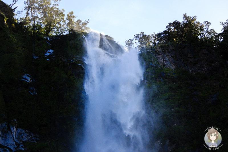 Wassermassen eines Wasserfalls