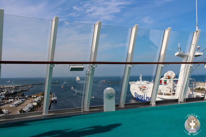 Aussicht auf den Hafen in Warnemünde