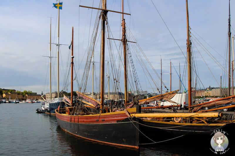 Ein Schiff in Stockholm