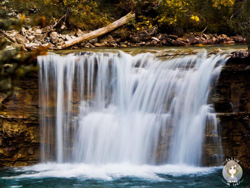 Ein Wasserfall auf Augenhöhe