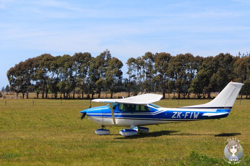 Ein kleines Flugzeug in Neuseeland