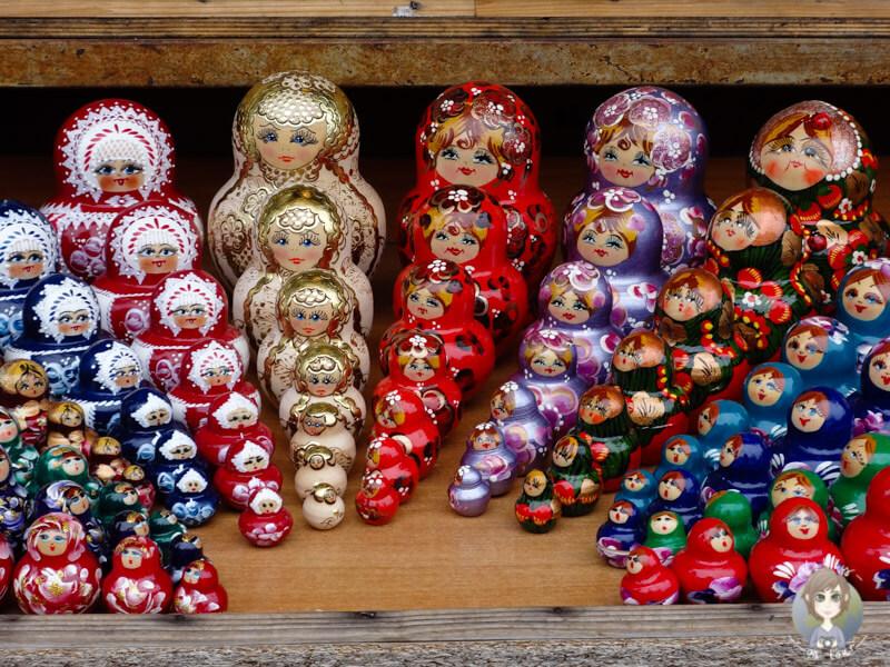 russische Holzfiguren in St. Petersburg