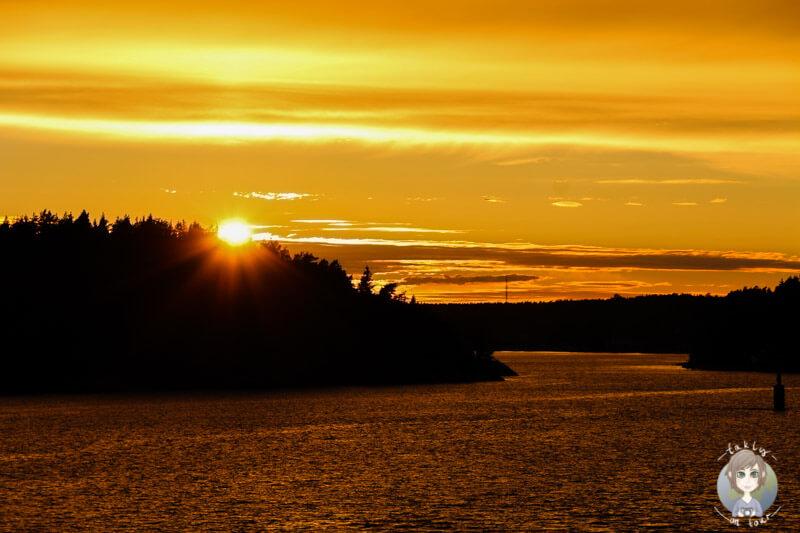 Sonnenuntergang über den Schären (2)
