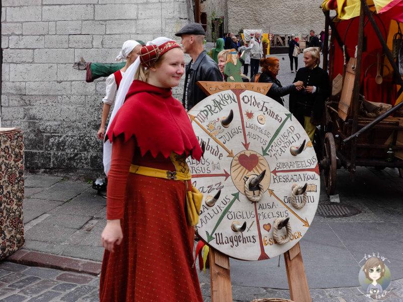 Straßenspiel in Tallinn