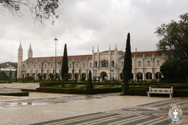 Blick auf das Mosteiro dos Jerónimos in Belém, Lissabon