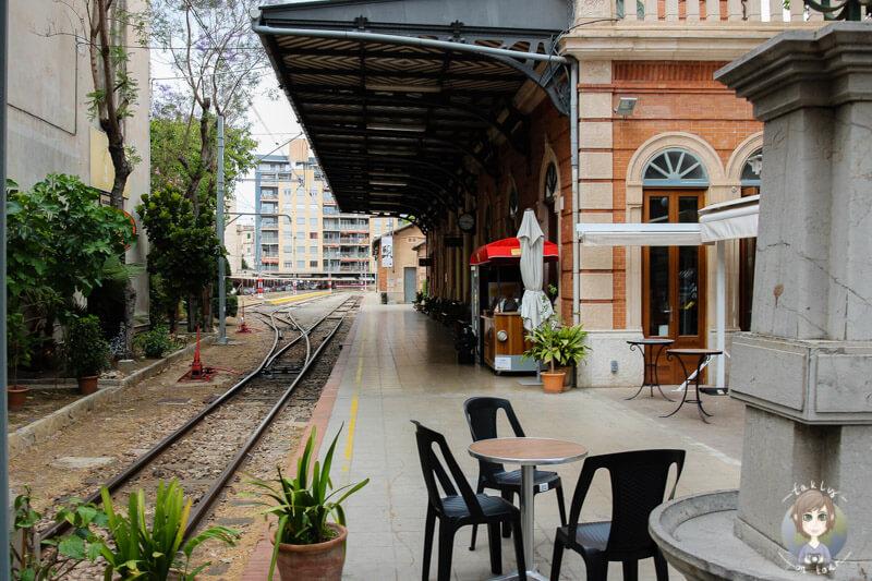 Der Bahnsteig in Palma wo die Bahn nach Sollér abfährt