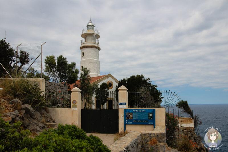 Der Leuchtturm Far de Cap Gros in Port de Sóller, Mallorca