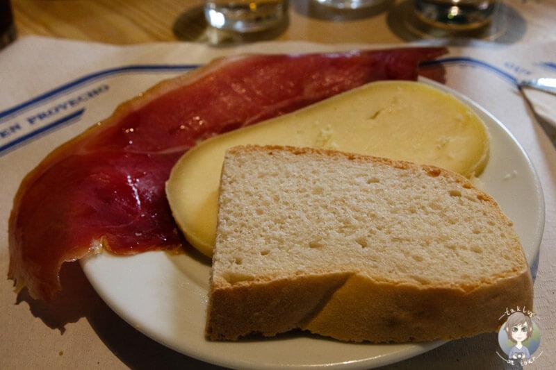 Pan, Jamón y Queso en el restaurante Es Verger