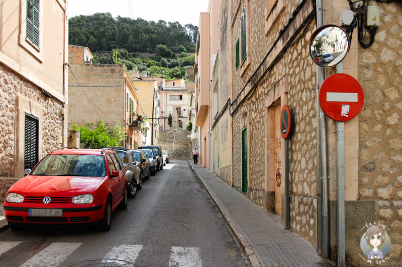 Eine Gasse in Bunyola auf Mallorca