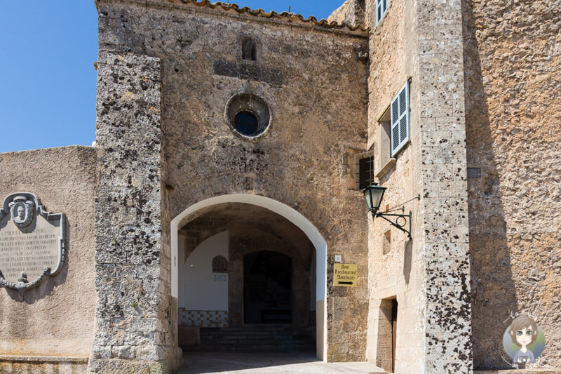 Haupteingang des Klosters Sant Salvador