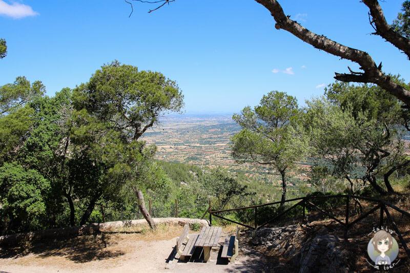 Ein Picknickplatz auf dem Puig de Sant Salvador